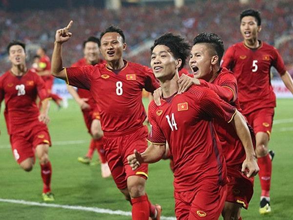 Đội tuyển Việt Nam có đủ sức nghênh chiến Malaysia trong bão V-League?