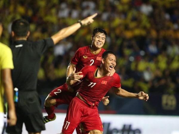 Việt Nam cầm hoà Thái Lan: Sự mờ nhạt của các cầu thủ Hà Nội?