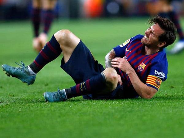 Cách tránh chấn thương khi đá bóng hiệu quả nhất