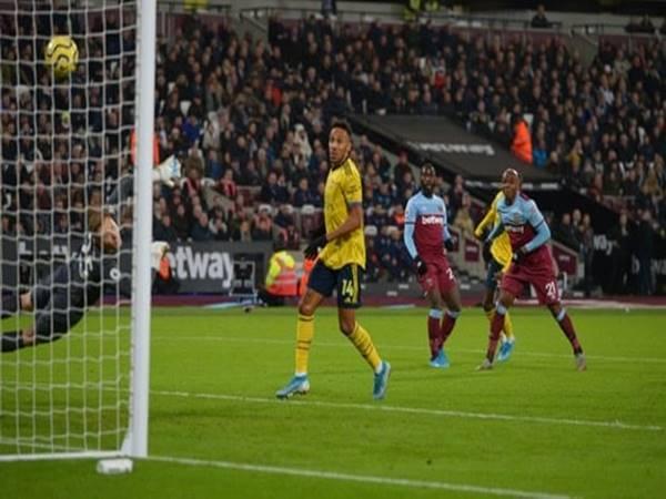 Arsenal bất ngờ cắt được chuỗi tháng ngày không biết chiến thắng