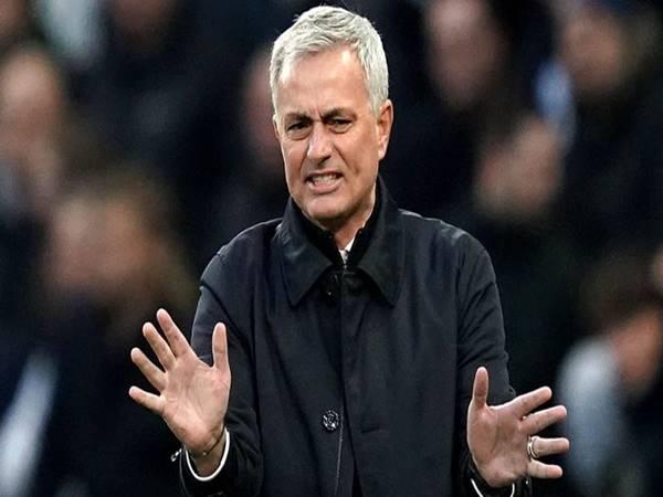 HLV Jose Mourinho đang lên kế hoạch đưa học trò cưng về Anh