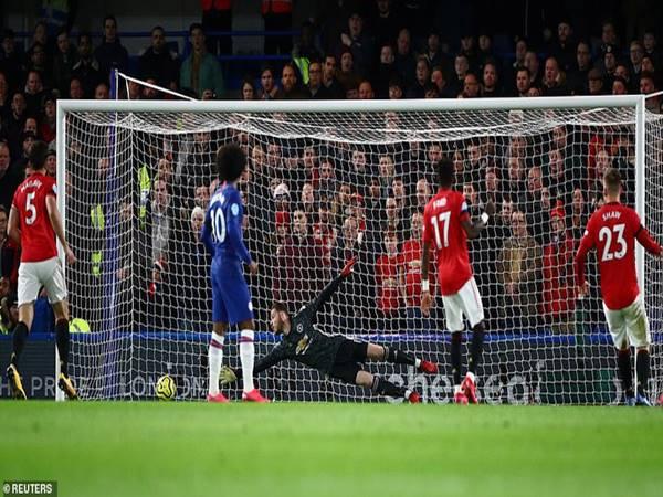 Manchester United áp sát tốp 4 sau khi đánh bại Chelsea