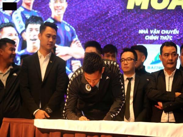 Nguyễn Văn Quyết ký hợp đồng trọn đời với CLB Hà Nội