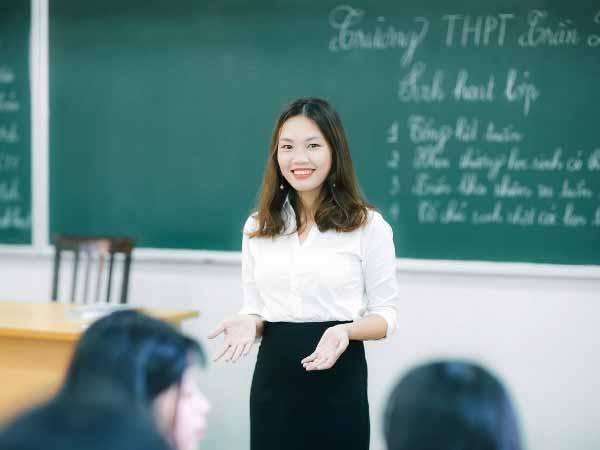 Mơ thấy giáo viên – Giải mã ý nghĩa của giấc mơ thấy giáo viên