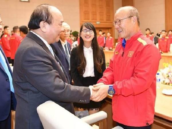 Bóng đá Việt Nam tối 28/8: HVL Park Hang Seo thừa nhận áp lực
