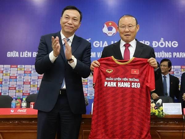 Tin sáng 17/8: HLV Park Hang-seo không được từ bỏ đấu trường nào