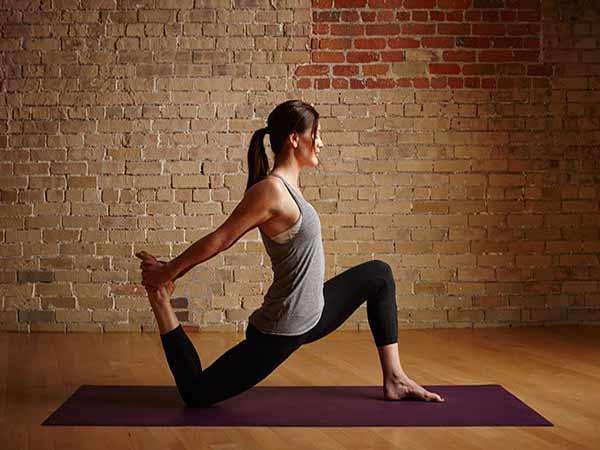 Yoga stretch là gì? Những kỹ thuật co giãn trong yoga stretch