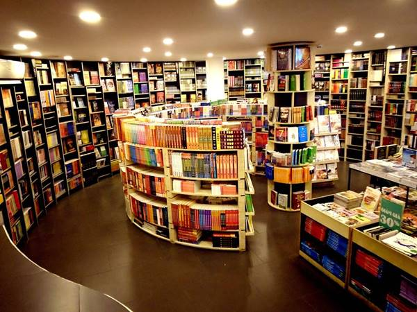 Giải mã giấc mơ thấy mua sách mang đến điềm báo gì
