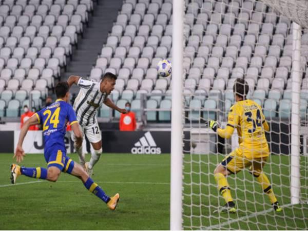 Tin bóng đá 22/4: Juventus thắng nhọc nhằn đội đứng cuối bảng